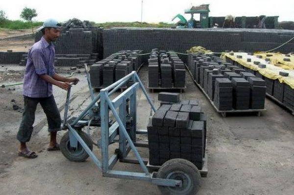 Indian Scientists develop Low- Carbon bricks using C&D waste
