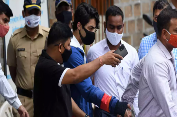 Overheard a Rs 25 crore deal to let off Aryan Khan, says new NCB witness